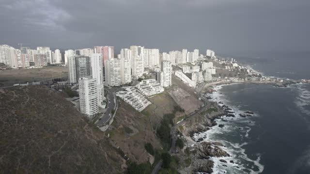 aerial view of reñaca coastline - mar stock videos & royalty-free footage