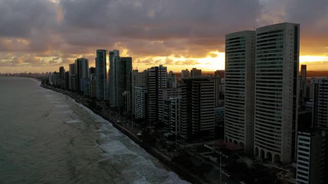 vídeos de stock, filmes e b-roll de vista aérea de recife, pernambuco, brasil - recife fenômeno natural