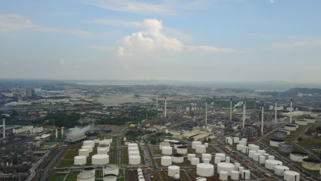 aerial view of refinery plant complex - pipeline stock videos and b-roll footage