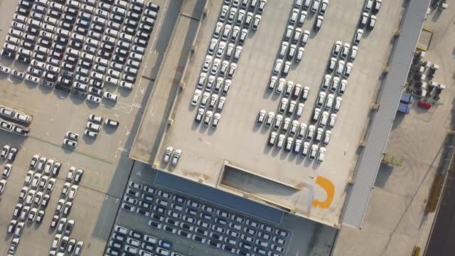 vídeos y material grabado en eventos de stock de ha, ws aerial view of rows of identical cars / taipei, taiwan - taipei