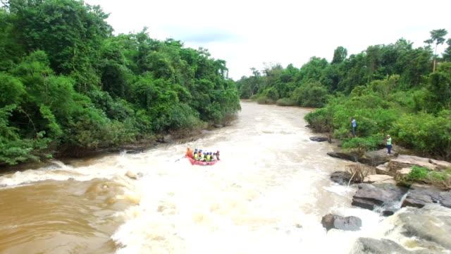 aerial view of rubber boat rafting at the kek river, phitsanulok,thailand - ecuador stock videos & royalty-free footage