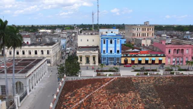 vídeos y material grabado en eventos de stock de aerial view of sagua la grande city, villa clara, cuba - monumento nacional