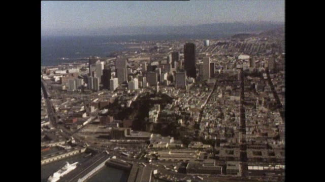 stockvideo's en b-roll-footage met aerial view of san francisco from north shore towards south - pier 39