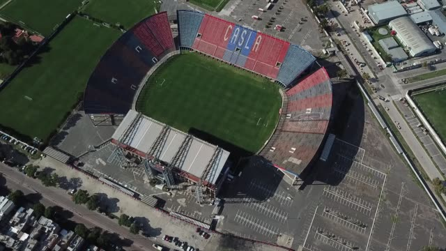 aerial view of san lorenzo de almagro's pedro bidegain empty soccer stadium on march 27, 2020 in buenos aires, argentina. national government has... - buenos aires stock videos & royalty-free footage
