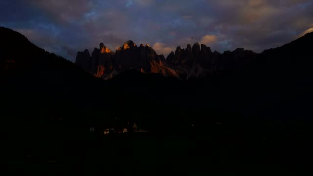 aerial view of santa maddalena village in val di funes / south tyrol - italy - horizon over land stock videos & royalty-free footage