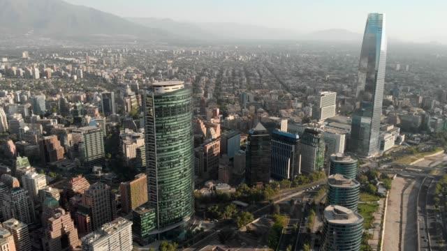 vídeos y material grabado en eventos de stock de vista aérea del distrito financiero de santiago - camino santiago