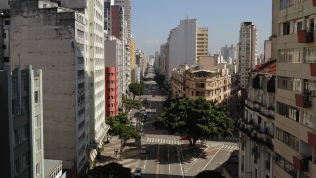luftaufnahme der innenstadt von sao paulo, brasilien - brasilien stock-videos und b-roll-filmmaterial