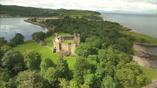 aerial view of scotland, isle of mull, dunstaffnage castle, scotland, north atlantic ocean  - north atlantic ocean stock videos & royalty-free footage