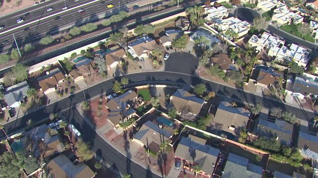 vídeos y material grabado en eventos de stock de vista aérea de scottsdale, tempe, mesa area, arizona, usa - complejo de viviendas