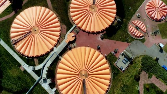 下水処理場の上空表示 - リサイクル工場点の映像素材/bロール