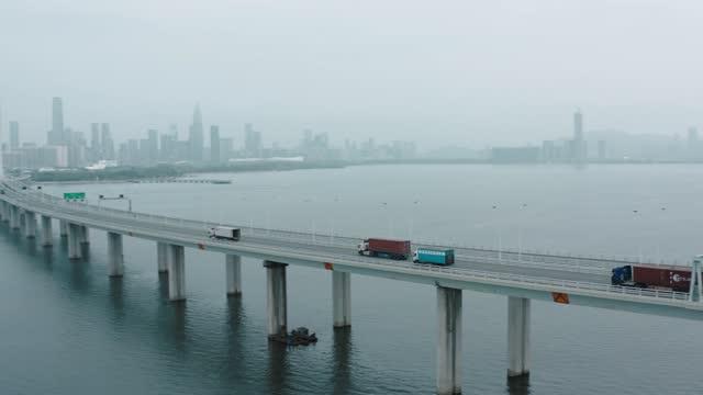 flygfoto över shenzhen gulf bridge, guangdong, kina. - lång längd bildbanksvideor och videomaterial från bakom kulisserna