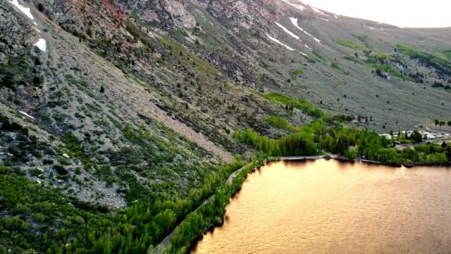vídeos de stock, filmes e b-roll de vista aérea do lago de prata-califórnia sierra nevada - lago