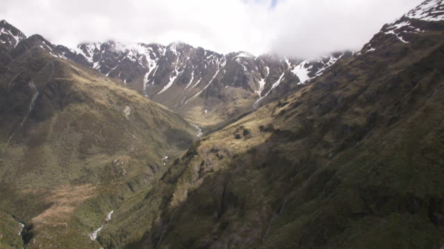 aerial view of southern alps between hokitika and arthur's pass, westland, new zealand. - new zealand southern alps stock videos & royalty-free footage