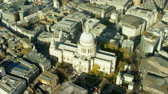 aerial view of st paul's cathedral london uk - anglican stock videos & royalty-free footage
