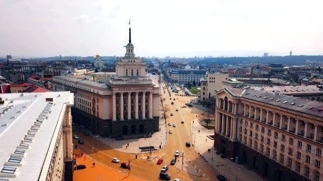 vidéos et rushes de vue aérienne de la statue de sveta sofia/sofia-bulgarie - culture de l'europe de l'est