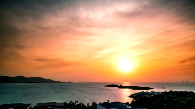 aerial view of sunset at sea. koh samui time lapse video - esposizione lunga video stock e b–roll