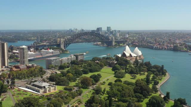 vídeos de stock, filmes e b-roll de vista aérea da área do porto de sydney, sydney austrália - sydney