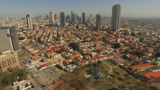 aerial view of tel aviv coastline and promenades - ジャファ点の映像素材/bロール
