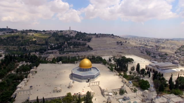 aerial view of temple mount, dome of the rock and al-aqsa mosque - al aqsa mosque stock videos and b-roll footage