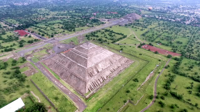 aerial view of teotihuacan pyramids in mexico - famous place stock videos & royalty-free footage
