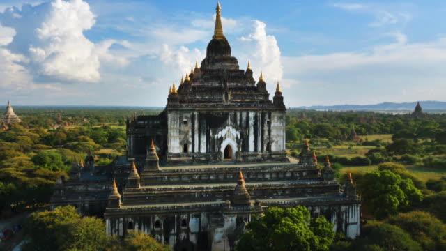 aerial view of thatbyinnyu temples - bagan stock videos & royalty-free footage