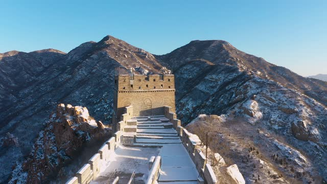 aerial view of the badaling great wall after snow on december 13 in beijing, china. - badaling great wall stock videos & royalty-free footage