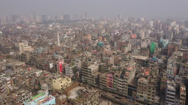 aerial view of the capital city dhaka, bangladesh on january 26, 2020. every day, some 2,000 people settle in the bangladeshi capital. since... - non urban scene stock-videos und b-roll-filmmaterial
