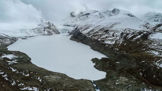 aerial view of the glacier in tibet - antarctica drone stock videos & royalty-free footage