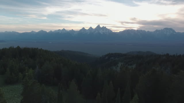 aerial view of the grand tetons national park - parco nazionale del grand teton video stock e b–roll