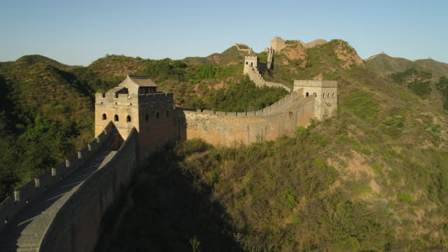 aerial view of the great wall in china - great wall of china stock videos & royalty-free footage