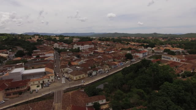 aerial view of the historic centre of the town of goiás - kolonialstil stock-videos und b-roll-filmmaterial