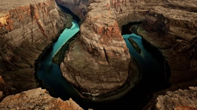aerial view of the horse shoe bend in page arizona - canyon stock videos & royalty-free footage
