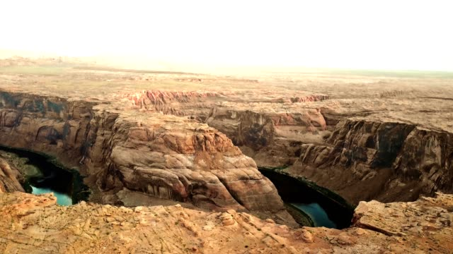 aerial view of the horse shoe bend in page arizona - river colorado stock videos & royalty-free footage