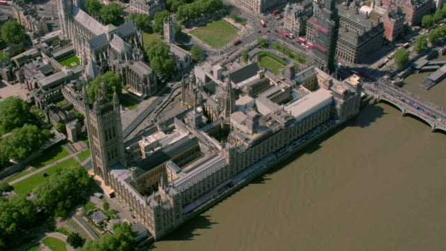 Luftaufnahme von den Houses of Parliament, London, UK. 4K