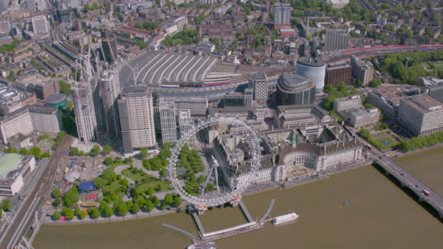 aerial view of the london, uk. 4k - canary wharf stock videos & royalty-free footage