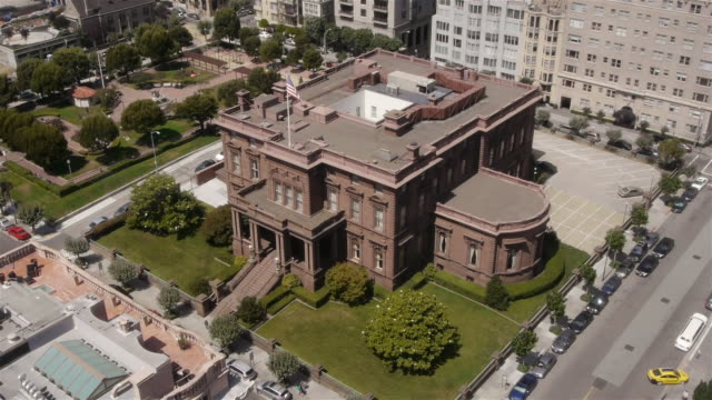tl- aerial view of the pacific-union club in nob hill, san francisco - nob hill stock videos & royalty-free footage