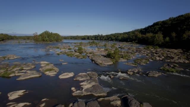 vídeos y material grabado en eventos de stock de vista aérea del río de potomac en maryland - río potomac