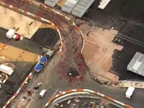 aerial view of the public race around the olympic park in stratford - ロンドン ストラトフォード点の映像素材/bロール