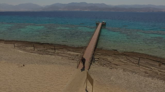 aerial view of the reefs in coral beach nature reserve, eilat, israel. - red sea stock videos & royalty-free footage