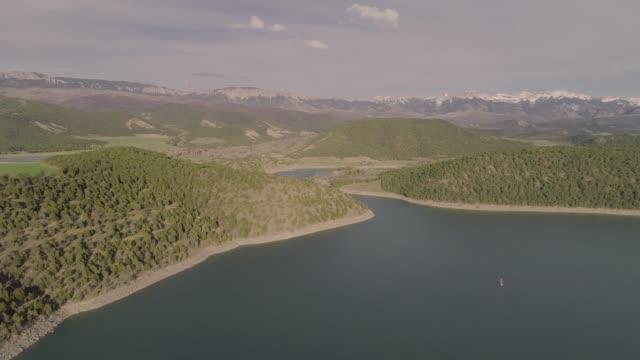 aerial view of the ridgeway reservoir in colorado - reservoir stock videos & royalty-free footage