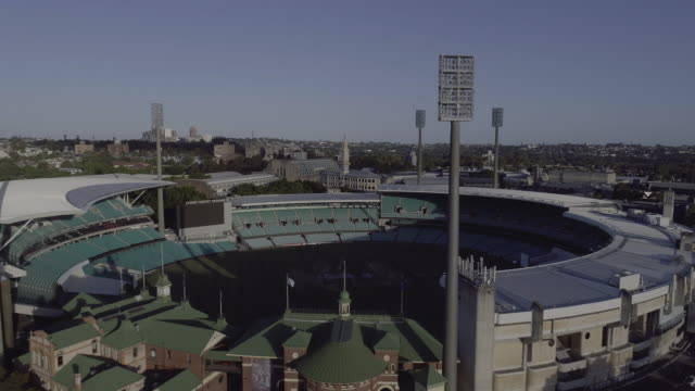 stockvideo's en b-roll-footage met aerial view of the sydney cricket ground - cricketveld