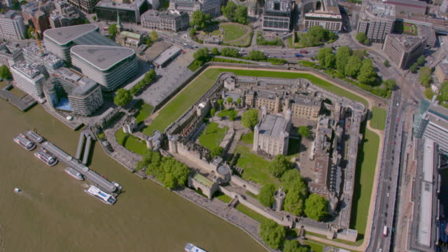 aerial view of the tower of london, uk. 4k - tower of london stock videos & royalty-free footage