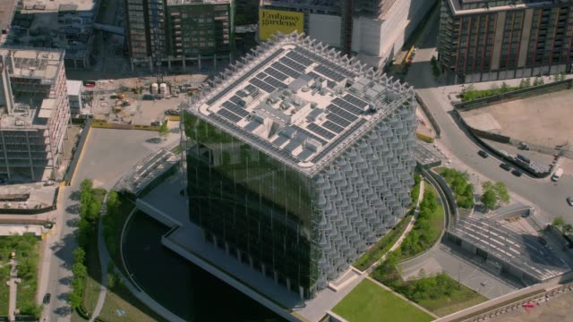 Aerial View of the United States Embassy, London, UK. 4K