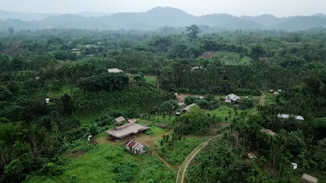 aerial view of the village of changlang - dorf stock-videos und b-roll-filmmaterial