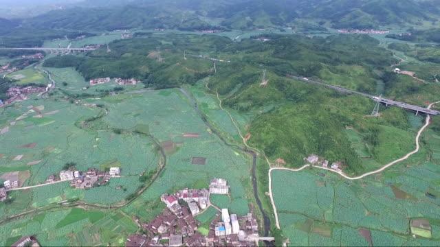 vídeos y material grabado en eventos de stock de aerial view of the yiqian old town located in guangchang county, fuzhou city, jiangxi province - paisaje mosaico