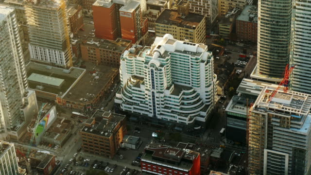 aerial view of toronto downtown - hyatt regency toronto – medium shot, day - spoonfilm stock-videos und b-roll-filmmaterial