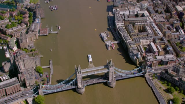 aerial view of tower bridge, london, uk. 4k - tower bridge stock videos & royalty-free footage