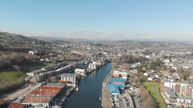 aerial view of town of totnes devon river dart - establishing shot stock videos & royalty-free footage