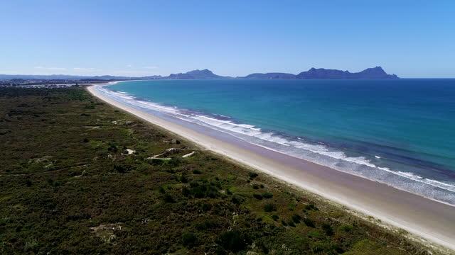 aerial view of uretiti beach in waipu, north island new zealand - island stock videos & royalty-free footage