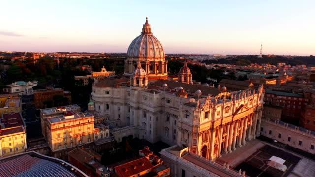 aerial view of vatican city at morning - vatikanstaat stock-videos und b-roll-filmmaterial